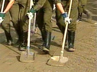 Ликвидация наводнения в Австрии, кадр РТР, 2002 год