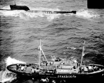 """Спасение экипажа К-19. Фото с сайта """"Российский подводный флот"""" (submarine.id.ru)"""