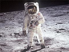 Астронавт Базз Олдрин (Buzz Aldrin) на Луне. Фото с сайта spaceflight.nasa.gov