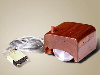 Мышь Энгельбарта. Фото с сайта sri.com