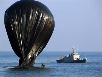 """Корабль """"Константа"""" и воздушный шар. Фото с официального сайта команды ARCA"""