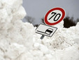 Последствия снегопада на трассе в Германии. Фото (c)AFP
