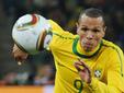 Нападающий сборной Бразилии Луис Фабиано. Фото AFP