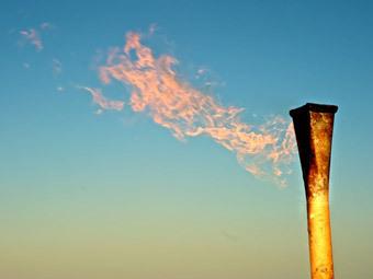 """Факел на въезде в игорную зону """"Азов-сити"""". Фото с сайта azovcity-kuban.ru"""