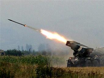 Огонь грузинской артиллерии по Цхинвали, август 2008 года. Архивное фото ©AFP