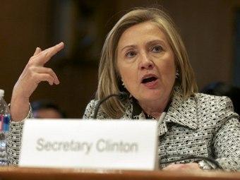 Хиллари Клинтон на заседании Комитета иностранных дел Сената США. Фото ©AFP