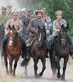 Антоновская армия прибывает в деревню. Источник: kino-teatr.ru