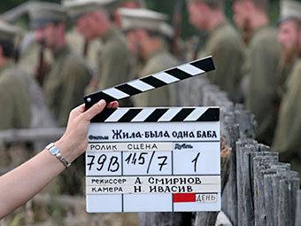 """На съемках фильма """"Жила-была одна баба"""". Источник: kino-teatr.ru"""