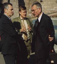 Андрей Быков (в центре) на встрече с руководством EnBW в Москве, 2002 год. Фото с сайта sannicola.ru