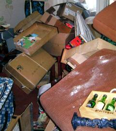 После обыска в квартире Данилевских. Фото предоставлено родителями Игоря Данилевского. Нажмите на фото, чтобы увеличить