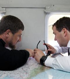 Глава Чечни Рамзан Кадыров и премьер-министр РФ Дмитрий Медведев. Фото ИТАР-ТАСС, Дмитрий Астахов