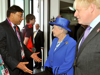Лакшмі Міттал, Єлизавета II і Борис Джонсон. Фото Reuters