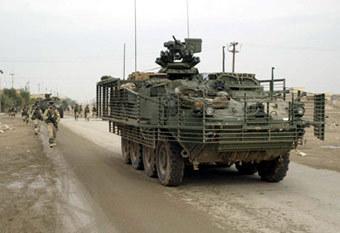 """Бронетранспортер """"Страйкер"""" в Ираке. Фото с сайта freerepublic.com"""