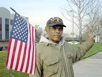 Активист организации Minuteman Project. Фото с сайта minutemanproject.com