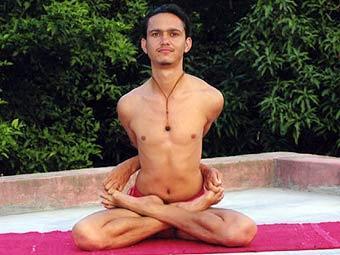 Йога помогает достичь самореализации, тонкого душевного равновесия