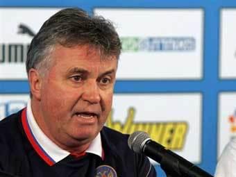 Хиддинк включил в состав на матч с Румынией двух новичков
