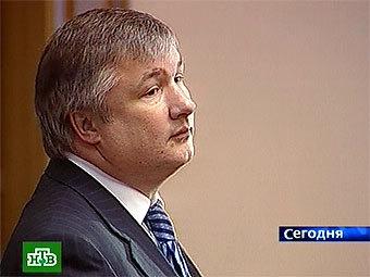 http://img.lenta.ru/news/2008/04/30/izmestiev/picture.jpg