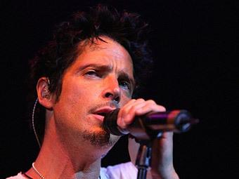 Экс-вокалист Soundgarden решил стать похожим на Уотерса и Меркьюри