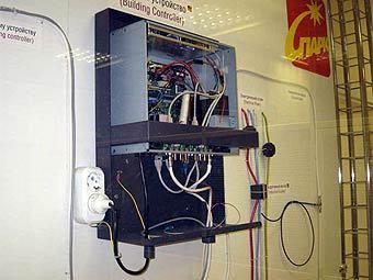 Москвичей перестанут подключать к интернету через электрическую розетку