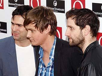 Oasis продержались на вершине британских чартов всего неделю