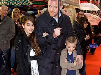 Мадонна предложила Гаю Ричи пять миллионов фунтов отступных