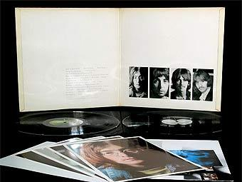 "Пятый экземпляр ""Белого альбома"" The Beatles выставлен на аукцион"
