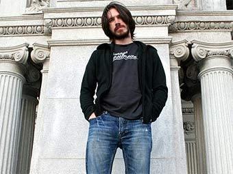 Блогер избежит тюрьмы за выложенный в интернете альбом Guns N'Roses