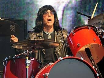 Бывший ударник Ramones собрал новую группу