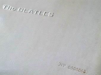 """Пятый экземпляр """"Белого альбома"""" The Beatles продали за 19 тысяч фунтов"""