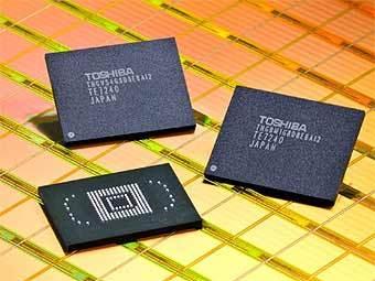 До конца этого месяца Toshiba намерена начать пробные поставки микросхем флеш памяти ёмкостью 8 Гб с...