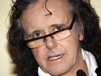 Фолк-певец Донован получил французский орден