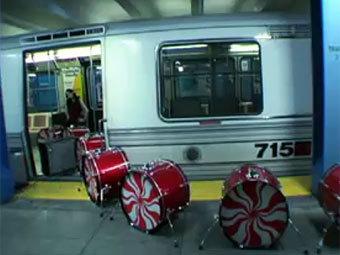 Барабанная установка The White Stripes уйдет с молотка