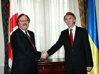Главы МИД Грузии и Украины от безысходности перешли на русский