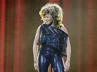 Тина Тернер из-за гриппа перенесла британские концерты