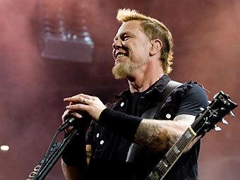 Вокалист Metallica отравился устрицами