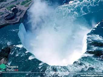 """Водопад """"Подкова"""". Фото с сайта: www.niagaraparks.com"""