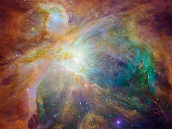 Туманность Ориона - один из самых известных примеров газо-пылевого облака, в котором образуются новые звезды. Автор нового исследования вычислил параметры похожего облака, давшего начало Солнцу. Изображение NASA/JPL-Caltech/STScI