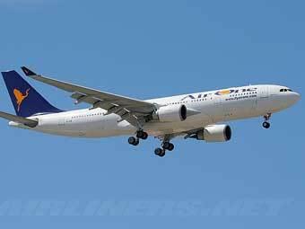 Airbus A330-202 компании Air One, объединившейся с Alitalia. Фото с сайта airliners.net