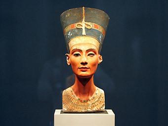 бюст Нефертити - подделка