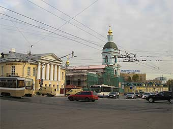 Вид на площадь Яузские Ворота. Фото с сайта turizm.ru