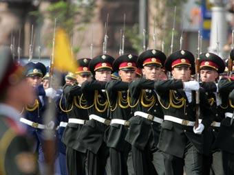 Участники парада в честь Дня независимости Украины, 2008 год. Фото пресс-службы президента Украины