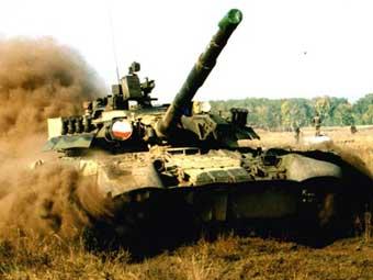 В начале 1980-х годов основной танк Советской Армии Т-72 стал постепенно отставать от отечественных и зарубежных...