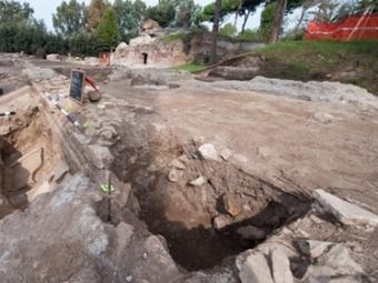 Руины древнеримской арены.