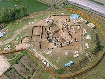 Место раскопок в префектуре Нара. Фото с сайта hartford-hwp.com