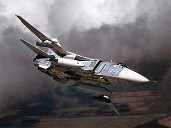 """Фронтовой бомбардировщик Су-24.  Фото компании  """"Сухой """""""