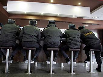 Московские милиционеры. Фото ©AFP