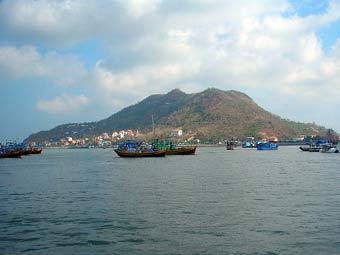 Порт Вунгтау. Фото Genghiskhanviet