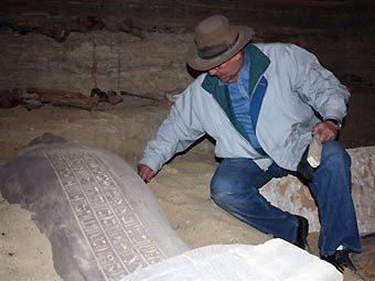 Захи Хавасс на раскопках. Фото ©AFP
