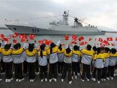 Китайские военные корабли спасли два судна от сомалийских пиратов