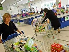 Стеснительность обходится британским семьям в 3 тысячи фунтов в год